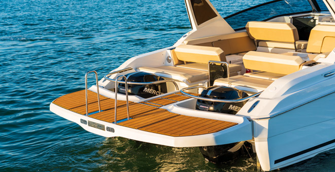 The Aquila 32 Swim Platform